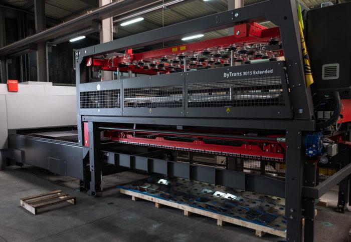 Métallerie Koç - Chargement des pièces à découper automatique Decoupe-laser